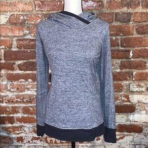Lululemon gray and black pullover hoodie US8